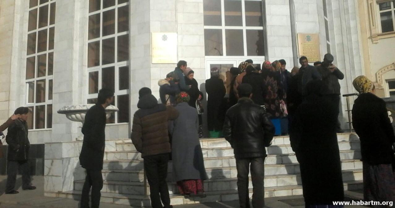 Дашогуз: Населению грозят штрафами за отсутствие счетчиков, но их в продаже нет