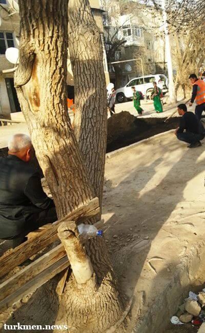 Лебап готовится к приезду президента. В Туркменабаде усилены меры безопасности, во дворах стелют асфальт
