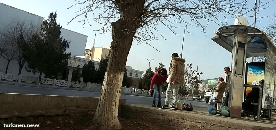 Кто не успел, тот опоздал: Автобусы в Туркменабаде прекращают движение в 18:00