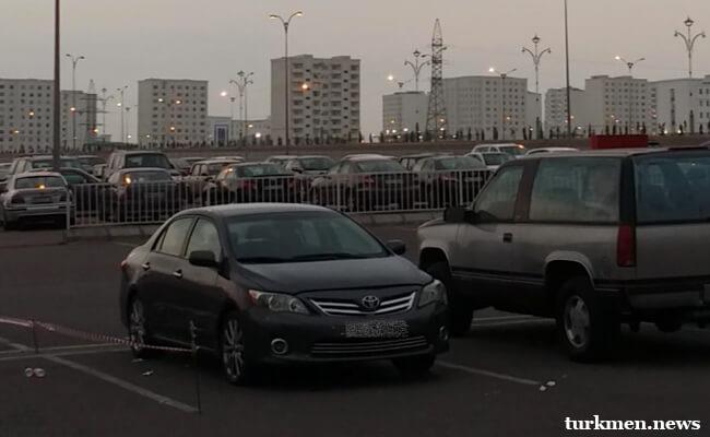 """Высокие цены на перекраску машин заставляют ашхабадских автовладельцев """"консервировать"""" свой транспорт"""