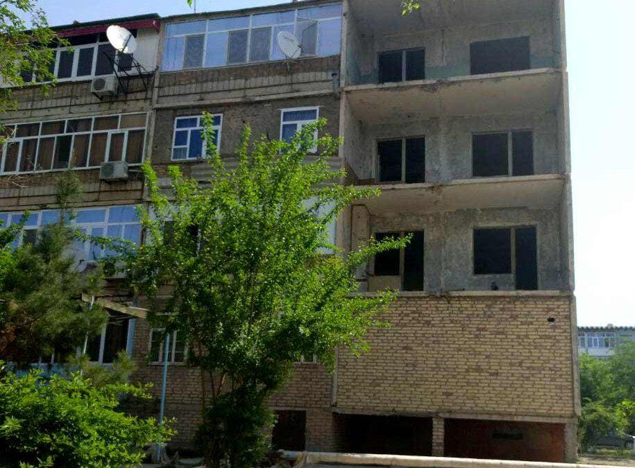 СРОЧНО: В жилом доме Туркменабада произошел взрыв. В городе отключили интернет