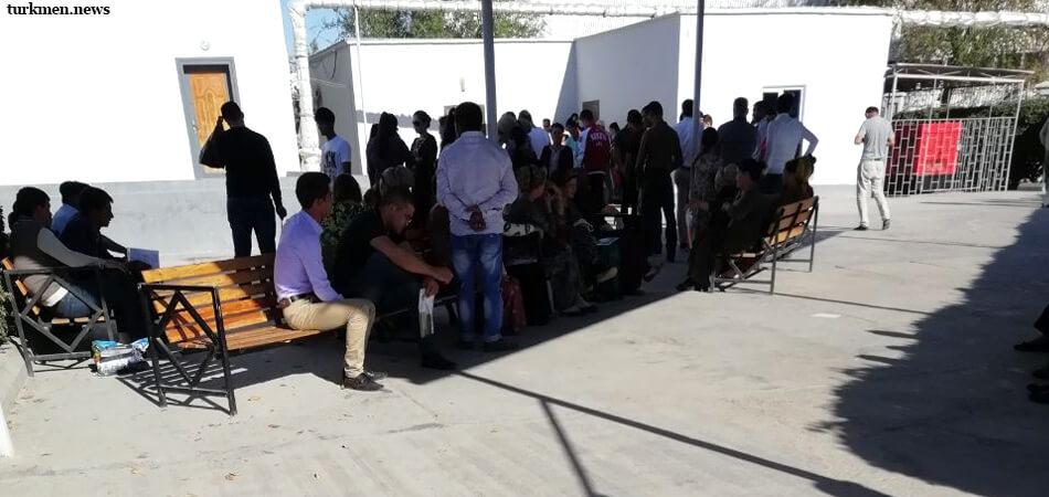 Побег из страны могущества и счастья: В 2020 году от гражданства Туркменистана отказались 319 человек
