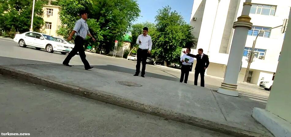 Видео: Мэр Ашхабада проинспектировал город. Недовольство увиденным он выразил...🤬