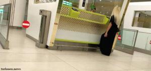 В аэропорту Ашхабада более 30 пассажиров были сняты с рейса в Стамбул
