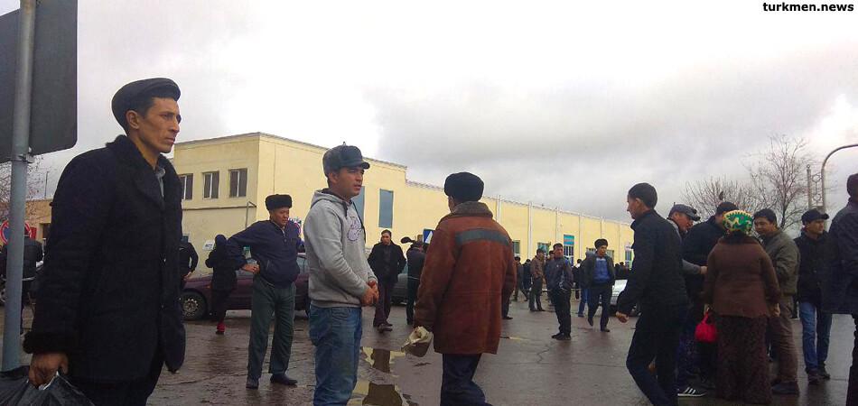 Базар в туркменском городе Дашогуз