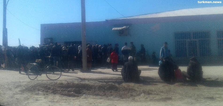 Туркменистан: «Масляный» кризис в Мары и бананы по $3,5 в Ашхабаде