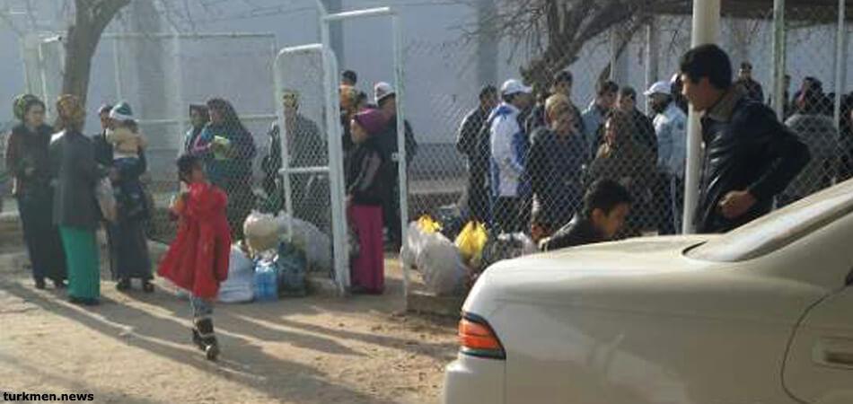 Туркменистан: Тюрьмы уже два месяца закрыты для посещения