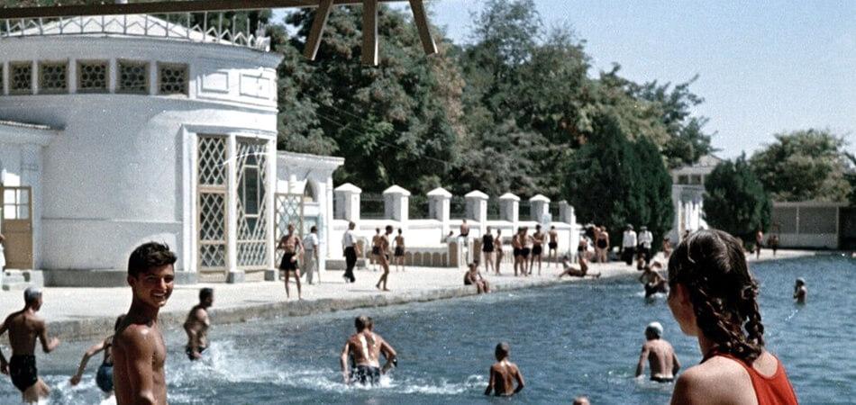 В Ашхабаде снесена знаменитая «купалка»