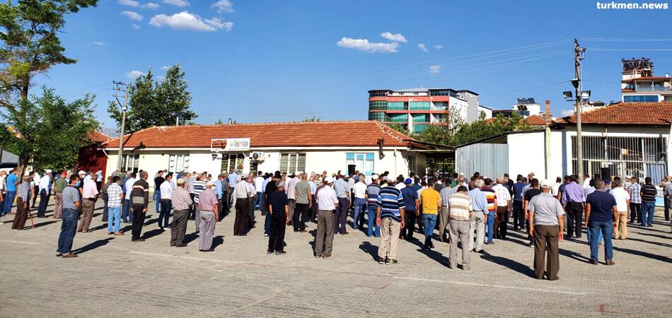 В Турции похоронили умершего в Туркменистане дипломата (фото)