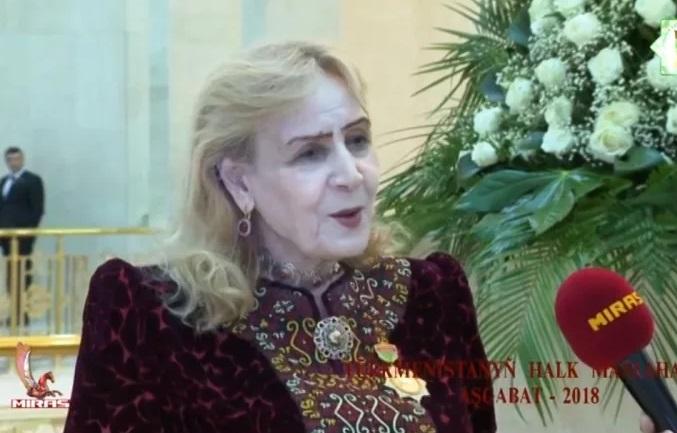 Поэтесса Гозель Шагулыева написала поэму о президенте Туркменистана