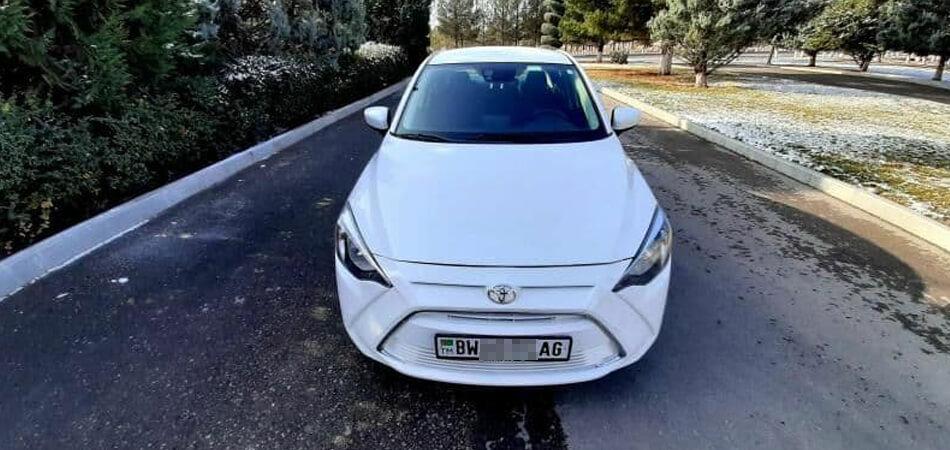 Помните, мы писали, что в Туркменистане заставляют красить черные детали белых авто? Посмотрите, как выглядят перекрашенные машины