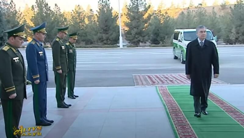Начальник погранслужбы Туркменистана уволен за упавший вертолет, заместители получили строгие выговоры