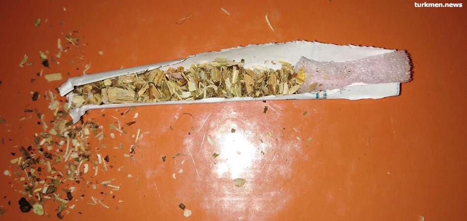 В регионах появились сигареты фабричного производства. Подделки и жевательный табак по-прежнему в ходу