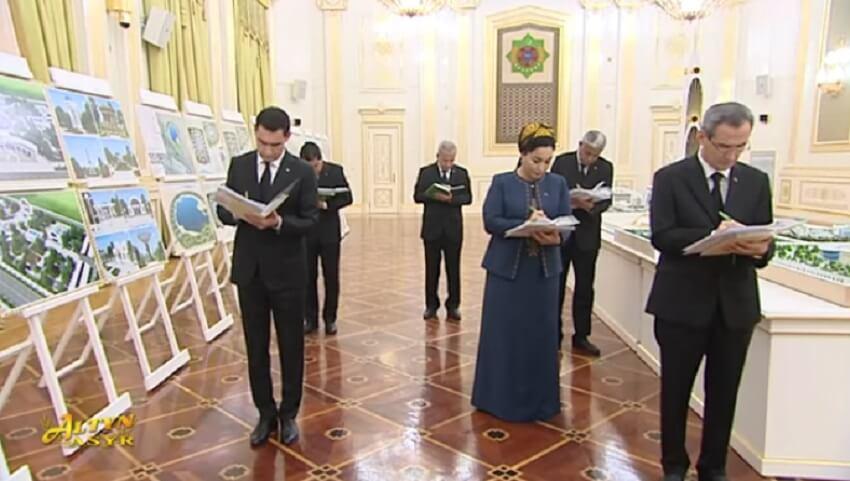 Бердымухамедов выслушал доклад сына о благоустройстве Ашхабада и раскритиковал столичные власти
