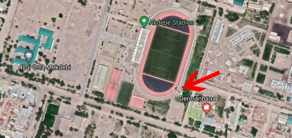 Штормовой ветер повалил прожектор на стадионе в Дашогузском велаяте. Обошлось без жертв