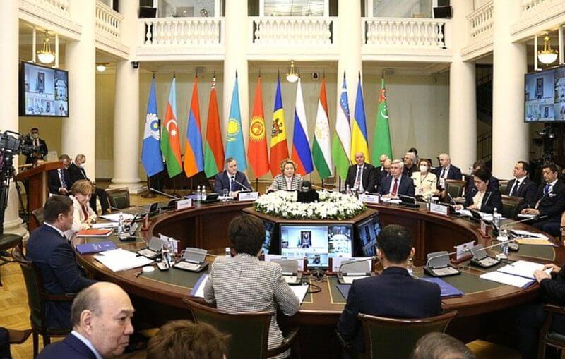МВД России требует от стран СНГ вывоза своих граждан, нелегально находящихся в РФ