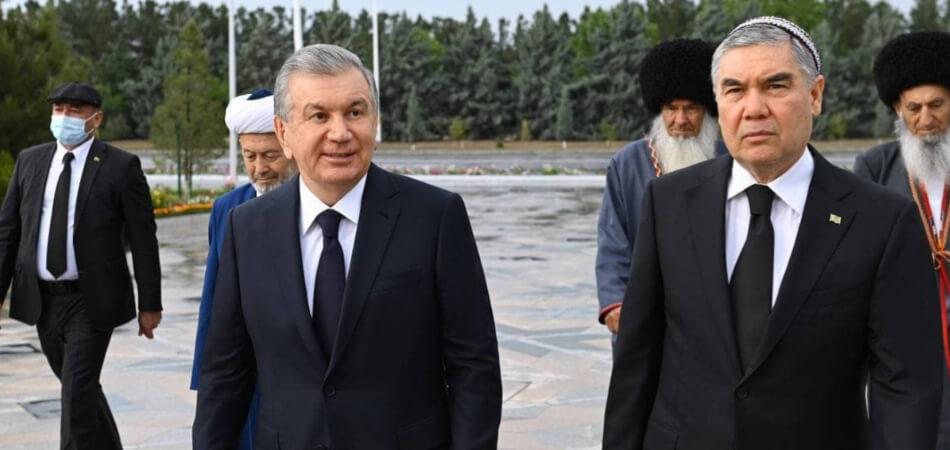 Книгу Бердымухамедова перевели на узбекский язык. В Туркменистане уже 20 лет как нет узбекоязычных школ