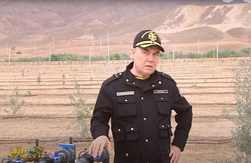 Бердымухамедову доложили об успехах армейского садоводства