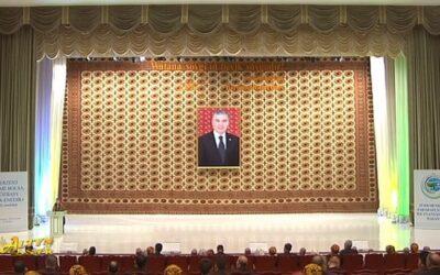 Бердымухамедов прибыл в Туркменабад на Неделю культуры