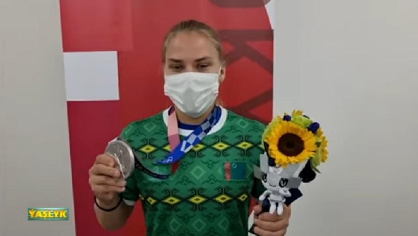 В туркменской телепередаче «Ватан» скрыли имя серебряной олимпийской призерки