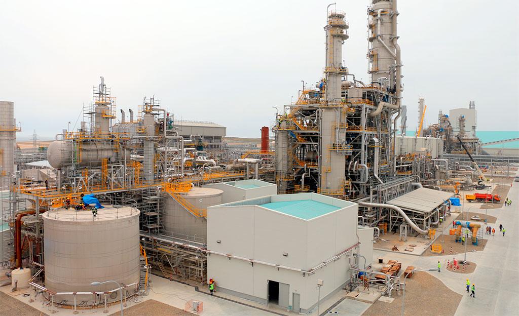 Расположенный в Гарабогазе завод по производству карбамида, построенный на кредит японского банка, принадлежит госконцерну «Туркменхимия». Фото: «Туркменхимия»