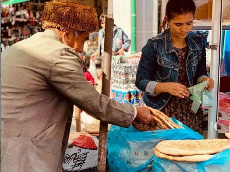 В Туркменистане похолодало, начались шторма