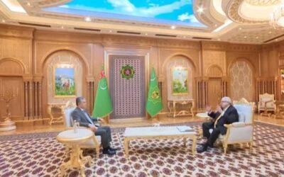 Бердымухамедов дал интервью не допущенному в Туркменистан российскому журналисту