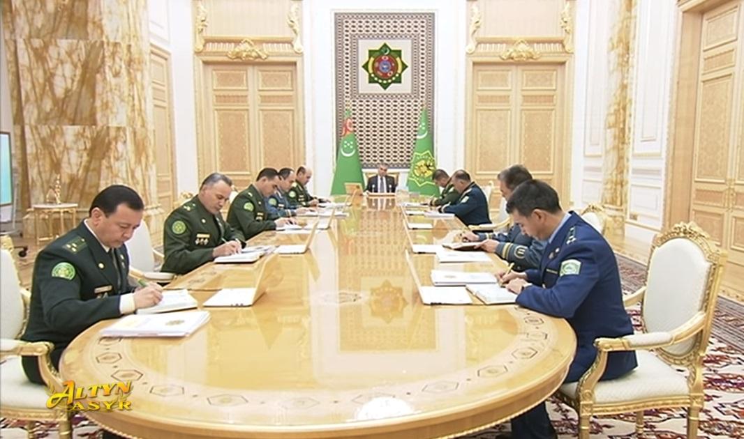Бердымухамедов объявил выговоры главе МВД и вице-премьеру, а также сменил главу Минюста
